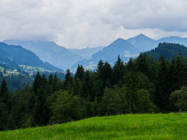 Berge in Wolken (1 von 1)