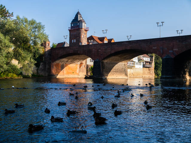Fluss und Brücke (1 von 1)