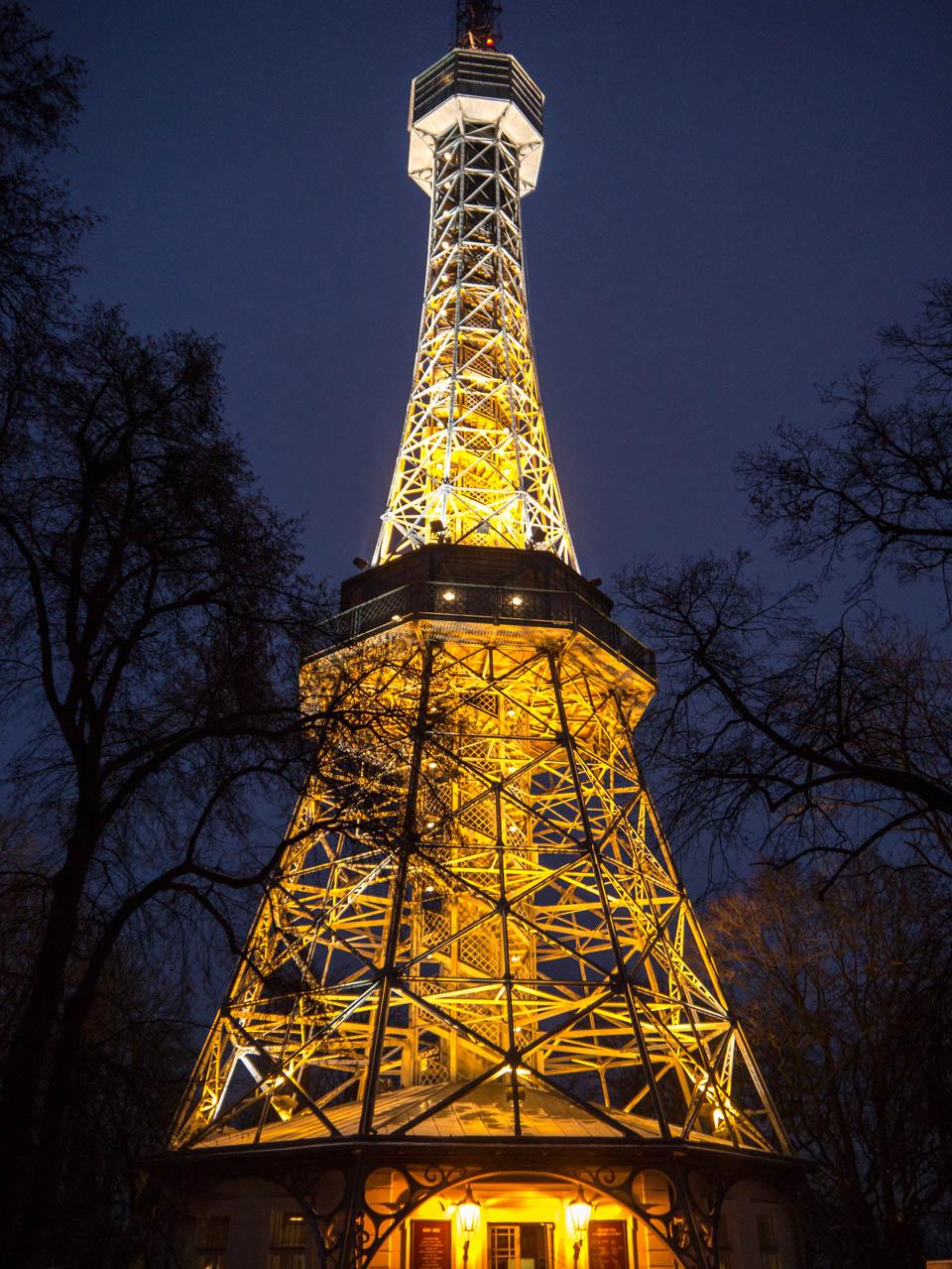 Eiffelturm nah (1 von 1)