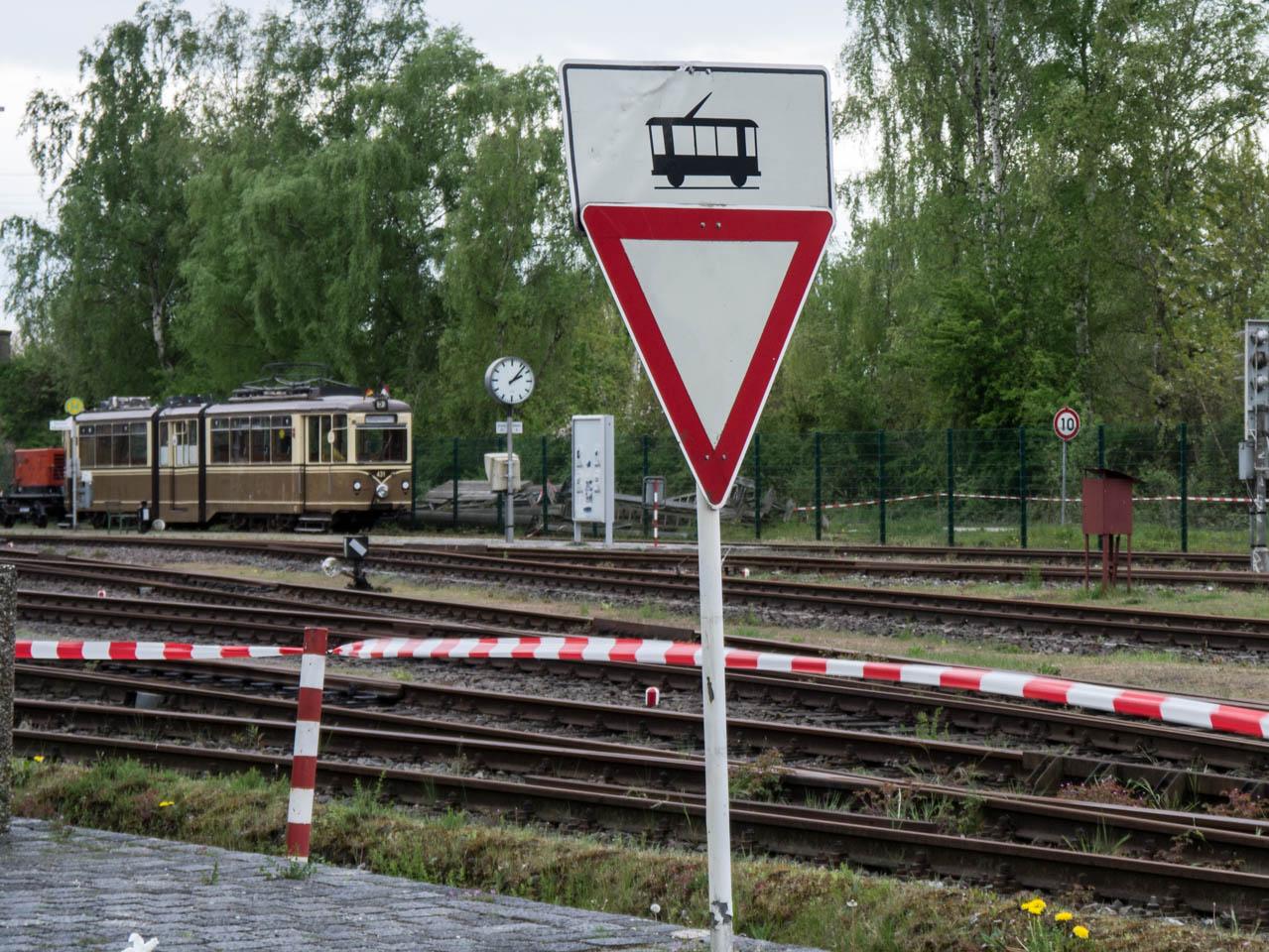 Achtung Straßenbahn (1 von 1)