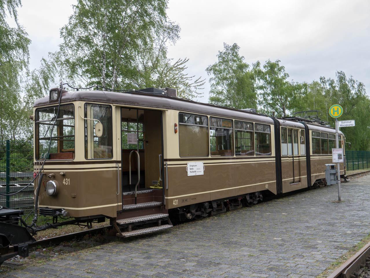 Straßenbahn (1 von 1)