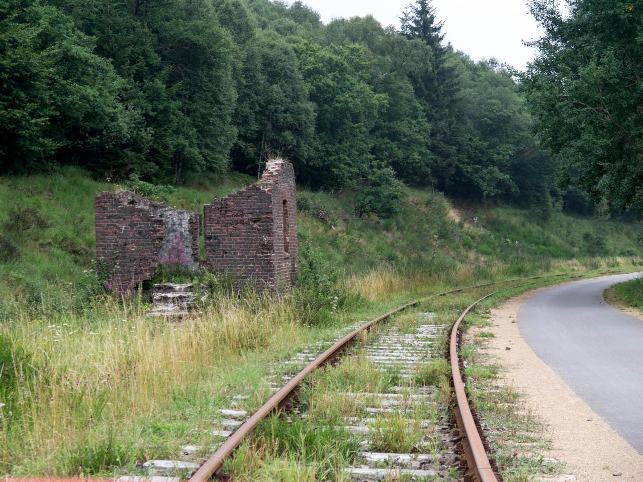 Ruine am Wegesrand (1 von 1)