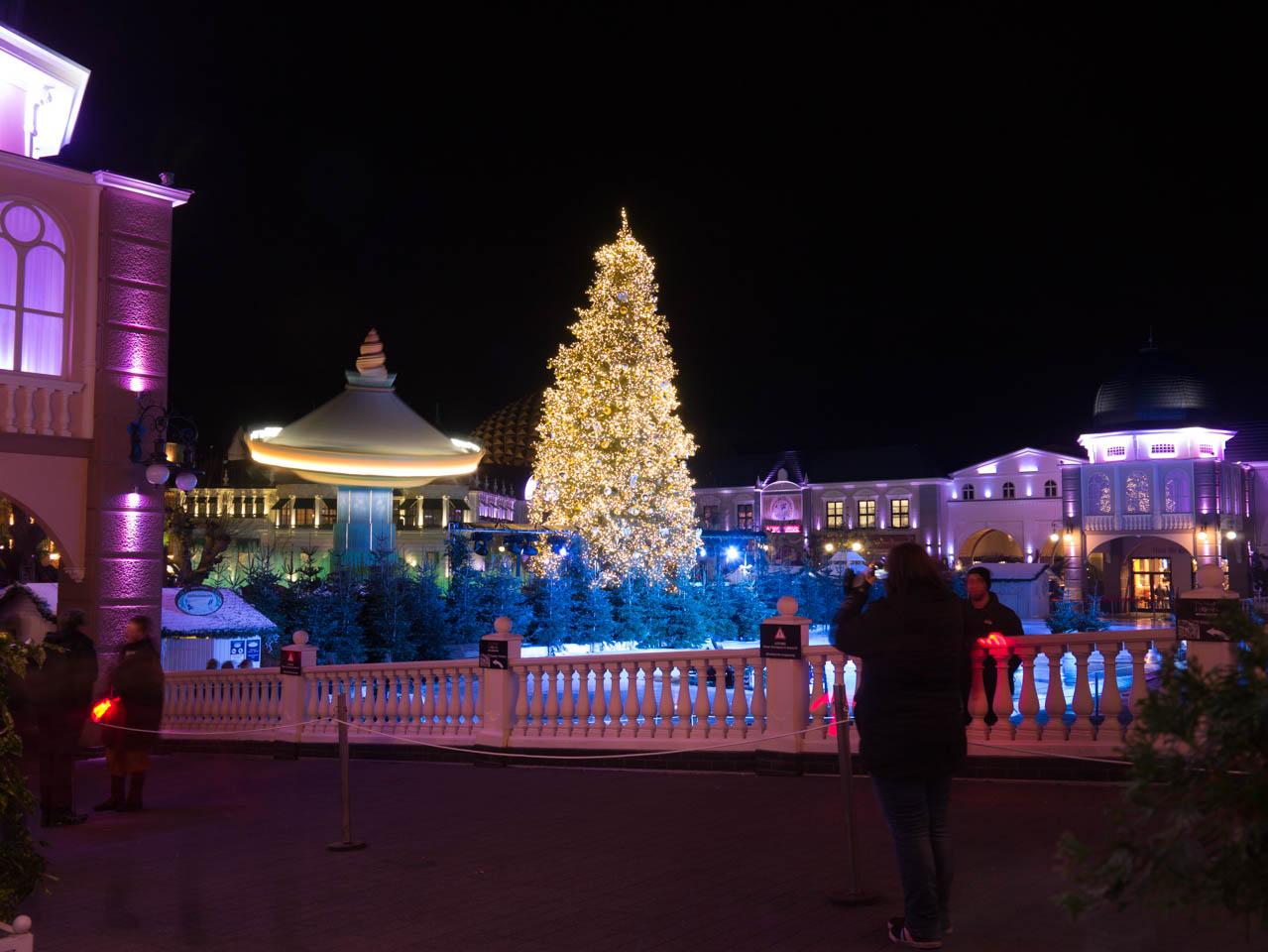 Kaiserplatz bei Nacht (1 von 1)