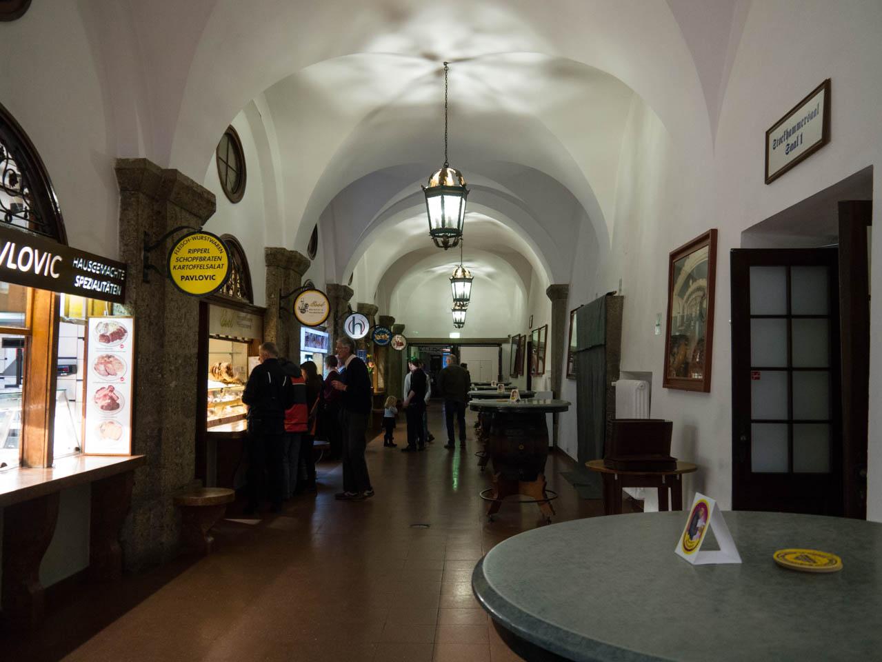 Verkaufsgang im Kloster Mülln (1 von 1)