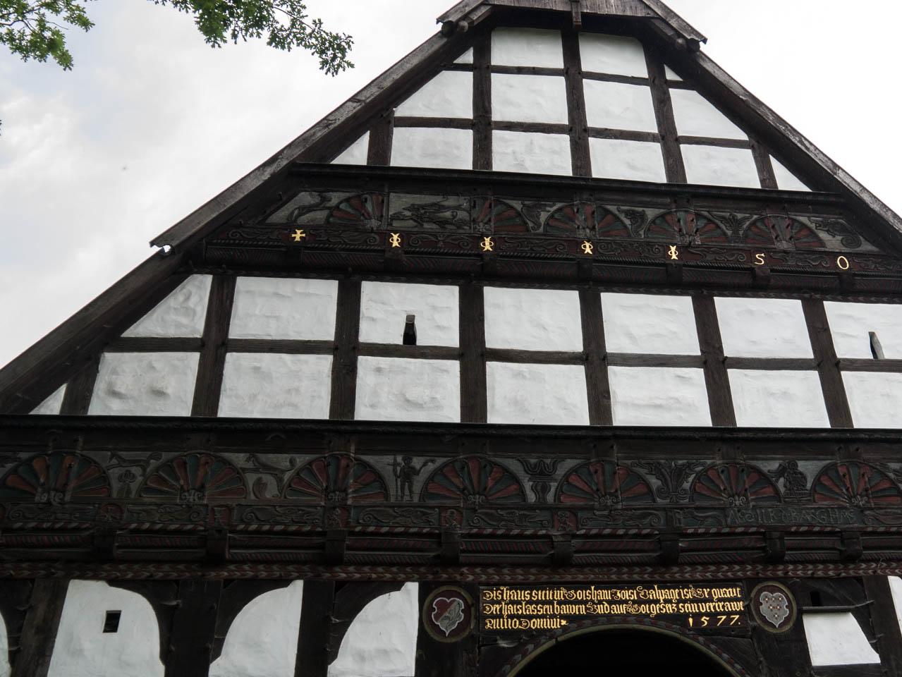 reich verziertes Haus (1 von 1)