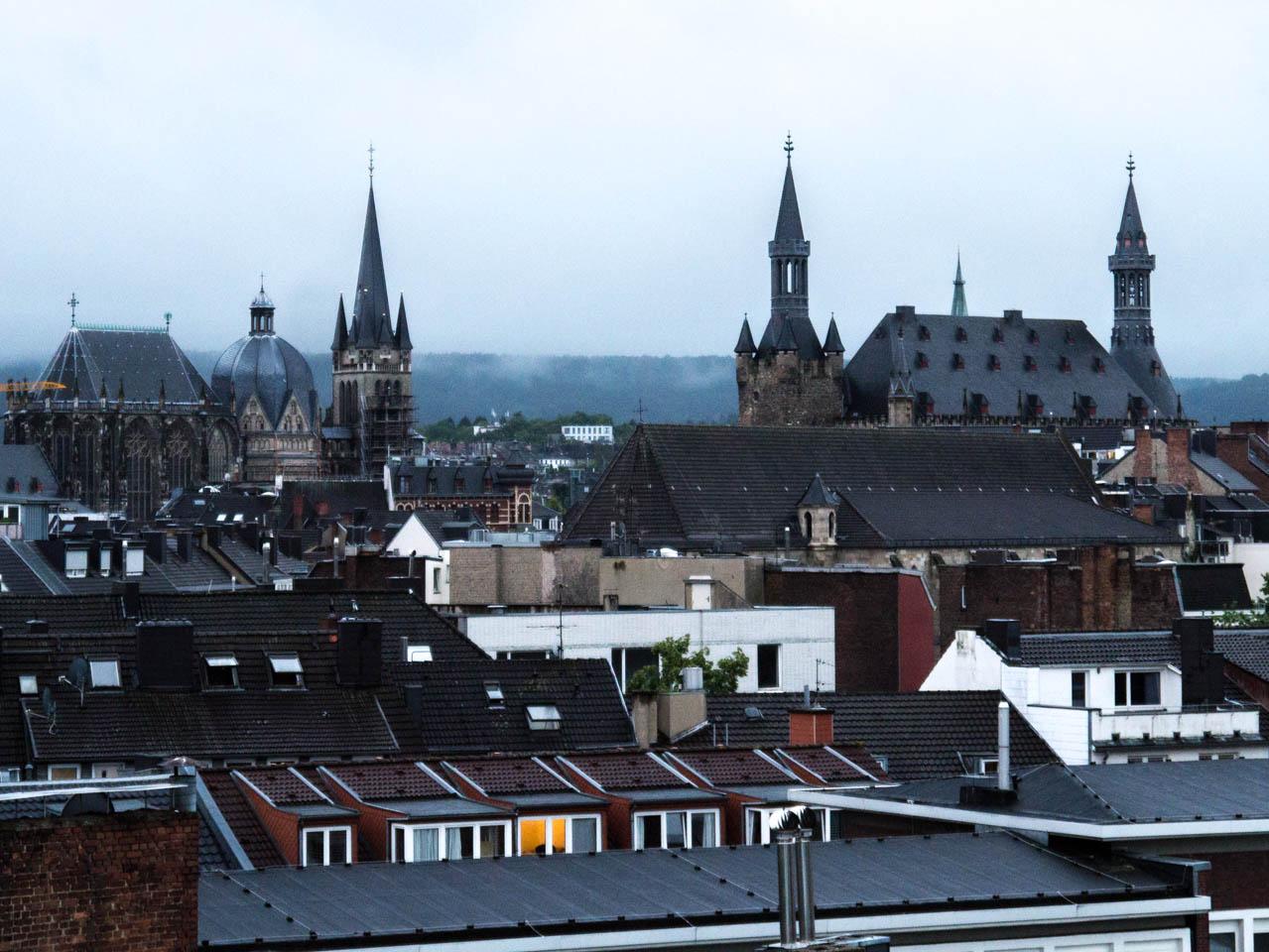 Blick auf Dom und Rathaus (1 von 1)