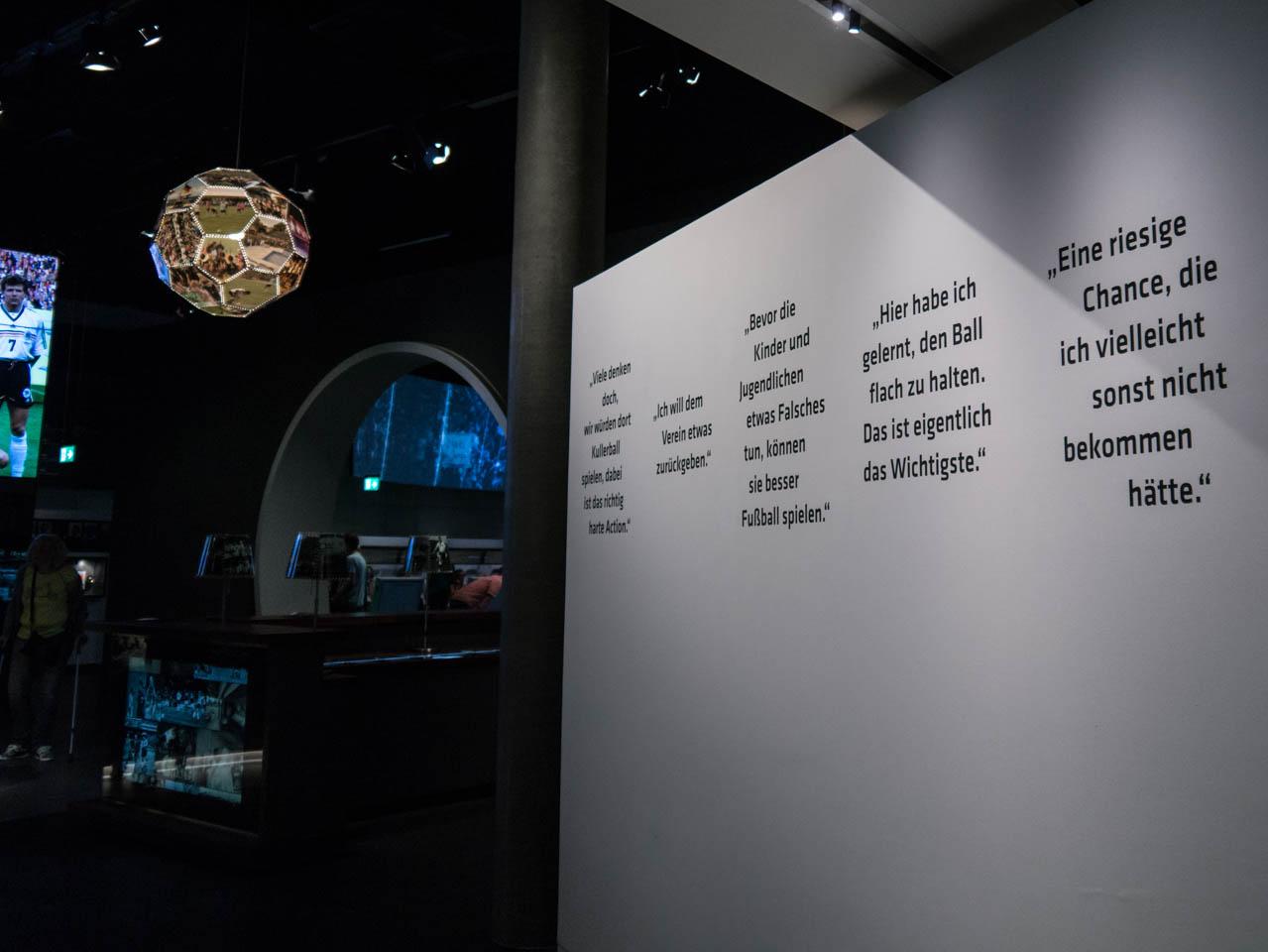 Zitate zieren die Wände (1 von 1)